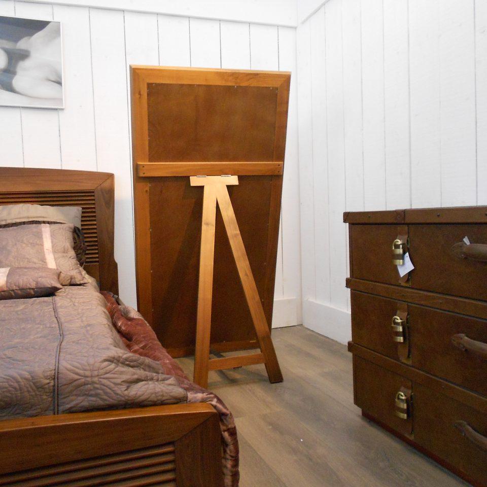 grand miroir de chambre en bois noyer magasin brest. Black Bedroom Furniture Sets. Home Design Ideas